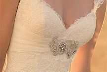 Wedding Bells / A place for my vast collection of wedding ideas! / by Cynthia Kessler