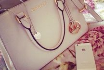 8 | Handbags & Purses