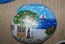 ζωγραφική σε πέτρα και ξύλο