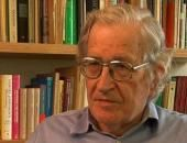 NOAM CHOMSKY / Ο διακεκριμένος Αμερικανός διανοούμενος, πολιτικός ακτιβιστής και γλωσσολόγος Νόαμ Τσόμσκι γεννήθηκε το 1928. Είναι καθηγητής στο Τμήμα Γλωσσολογίας και Φιλοσοφίας του Τεχνολογικού Ινστιτούτου της Μασαχουσέτης (MIT).