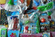 Jouets pour la kermesse / Des lots de jouets pour la kermesse de l'école.