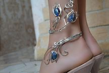 Leg jewellery
