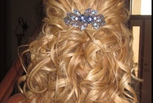 HAIRSTYLES / by Amy Berggren