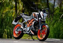 KTM duke 200 / Every single KTM showcases the PURITY of design and uncompromising function that defines the pure READY TO RACE mentality. Out on your bike, looking ahead and in the zone - nothing else matters. Taking the power and performance in your hands and unleashing it at will without distraction. No wasted space or weight – just everything you need for the ultimate ride. This is pure optimization to the bare essentials.