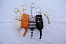cat: DIY cat accessories