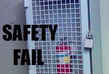 Workplace fails and funnies / www.ssm-siu.ro S.C. SSM & SIU S.R.L. - Accidentul doare. Prevenirea nu! Orice probleme ocupaționale ai întâmpina, contactează-ne cu încredere! Experții noștri îți oferă cu siguranță cea mai bună soluție la problemele tale! În mâinile noastre, firma ta este în siguranță!