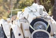 Dekoracje auta do ślubu... / Dekoracja auta wiozącego parę młodą do ślubu, jest równie ważna jak wystrój kościoła czy sali weselnej. Powinna współgrać z charakterem całej uroczystości oraz suknią i wiązanka Panny Młodej. Możliwości dekoracji auta jest naprawdę bardzo wiele. Przejrzyj nasze pin-ki i znajdź inspirację...