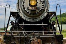 trenes / by Raul Diaz