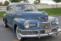 Nash Motors / ナッシュ・モーターズ(Nash Motors Corporation)は、1917年から1938年まで存在したアメリカ合衆国の自動車メーカーである。経営者はビュイックとGMの社長を歴任したチャールズ・W・ナッシュであり、本拠はウィスコンシン州ケノーシャであった。1937年、家庭用電気製品会社・ケルビネーターと合併、ナッシュ=ケルビネーター社となった。さらに1954年には、ミシガン州の自動車会社ハドソン・モーター・カー・カンパニーを吸収、アメリカン・モーターズ・コーポレーション(AMC)となった。1937年以降には各社の下での自動車ブランドとして存続していた「ナッシュ」であったが、その名称も1957年に消滅