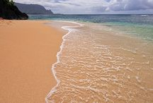 Hawaii / Travel destinations and attractions in hawaii / by Nicole Marshalek