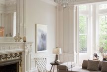 Living room contemporary traditional mix / Contemporary and antique in period home