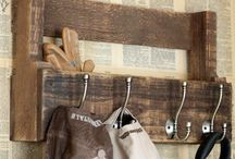Wood pallet projects / by Lindsay Walls
