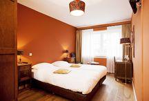 Bed and Breakfast Sfeerstal Nieuwveen / Ons hotel beschikt over 10 hotelkamers allemaal met een eigen badkamer. Rustig gelegen in het groene hart op 20 minuten afstand van schiphol.