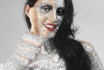 Millioncrystalbody / Millioncrystalbody - ein Model trägt 1.000.000 Strasssteine