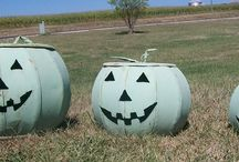 Fall Decorations / A rustic yard art decor made from recycled metal for all your fall decorating
