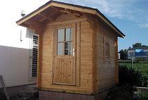 自分で建てるミニログハウス・キット