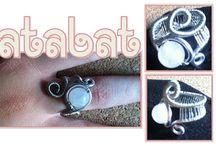Aretes, anillos en alambre. / Aretes y anillos en alambre. Todas las imágenes relacionadas.