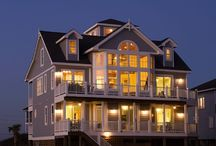 North Topsail Ocean Front Rentals / The Flip Flop Inn and Pearl by the Sea is the perfect ocean front home for a beach vacation with extended family or friends in Topsail, North Carolina