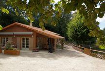Gîte LA CLE DES CHAMPS / le charme d'un chalet tout en bois au bord d'un étang privé de pêche pour des vacances de détente, de bien-être et de ressourcement