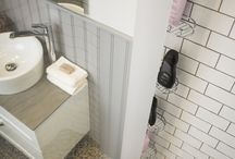Duschtillbehör Macro Design / Våra innovativa duschtillbehör är designade för att på ett smart sätt göra livet lite enklare. Form går i linje med idé och skapar en exklusiv känsla. Våra unika, dolda duschförvaring Skagen Rack och duschsitsen Tide, som kan fällas ner när den inte används, är två egendesignade produkter. Extrautrusta din dusch med smarta tillbehör och hjälpmedel från oss. För närmare information om besök http://www.macro.se/sortiment/dusch/duschtillbehor