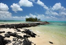 The Island House / The Island House is paradise on its very own islet on the North East Coast of Mauritius. http://www.perfecthideaways.co.za/Details/The-Island-House