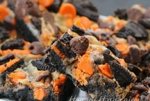 Spooky Baking / I actually don't celebrate Halloween but I like the baking ideas. Just saying.