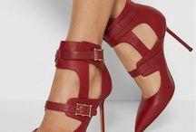 Georgeus heels