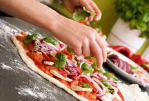Cooking Class in Tuscany Winery / Take part at a cooking class in Tuscany and learn how to prepare pizza. At the end taste your pizza and pair it with a glass of Tuscan wine. Have a special day in the winery and injoy our italian wine and food.