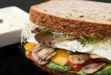 Sandwiches / Preparados en nuestro nutritivo Pan de Semilla, horneado diariamente en nuestro horno artesanal.