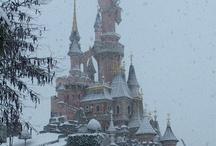 Amusement parks in winter