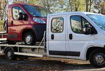Transport drogowy Łódź / Transport drogowy – jedna z gałęzi transportu, w której ładunki i pasażerowie przemieszczają się po drogach lądowych przy pomocy kołowych środków transportu (np. pojazdów samochodowych). Usługi transportowe odbywające się z wykorzystaniem tej gałęzi transportu świadczone są przez przewoźników drogowych.