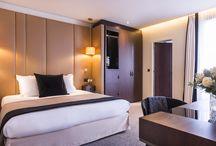 HOTEL LA BOURDONNAIS / Amoureux de la liberté, l'hôtel de La Bourdonnais vous plonge dans l'art du voyage, une atmosphère où le temps est suspendu au cœur de l'effervescence parisienne. On découvre au fil du chemin un lieu de détente et de raffinement.