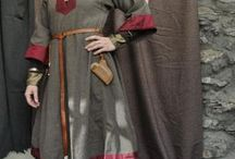 Dress 1000-1100 - Reconstructions / Reconstructions of 11th century dress by re-enacters