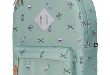 backpacks & other accessories / te gekke tassen, backpacks & etuis voor kids. Ideaal om mee naar school te nemen of als je uit logeren gaat. Het is de finish in touch bij je outfit.