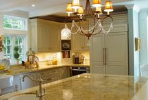 Kitchens we LOVE / Browse through a collection of the favorite kitchens we have done!