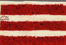 Cakes/cupcakes / by Jeanne Komp