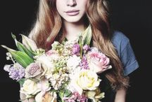 Lana Del Rey / Her smile is everything