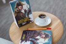 Sherlock Holmes Temalı Defter ve 2017 Takvim / shop.ersamobilya.com  adresinde satışa sunulan Sherlock Holmes konseptli defter ve takvim, yeni yılda hayatlarından imkânsızı çıkarıp, yola gerçeklerle devam etmek isteyenlerin vazgeçilmezi olmaya aday.