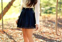 """Fashion / ,,O femeie poate fi prea îmbrăcată,dar niciodată prea elegantă.""""(Coco Chanel)"""