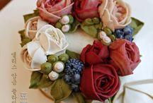 dort košík s květinami