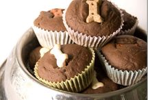 Yumm, Treat time! / Scrumptious treats for the special dog's in our lives / by Hounds Around Town