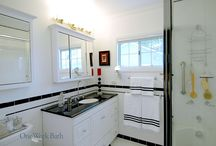 Bathroom Design 39 / A traditional mid-century style black and white subway tile bathroom.