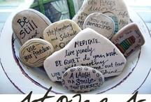Festett kövek / painted stones