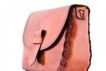 Traditional Leather Bags / Handcraft Traditional Spanish Leather Bags http://www.rodeoblues.com/en/90-traditional