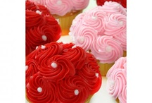 Cupcakes / by Lindsay Masterson