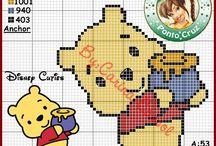 Ursinho Pooh e Seus amigos em ponto cruz