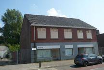Stars & Timber Industriële huis en Winkel / The making off.... grote verbouwing aan een woon / winkel pand. Wij doen het anders, geen standaard spullen. Voor de liefhebbers van industrieel/ vintage en heel veel hout!!