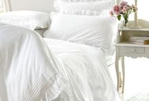 Bedding & DIY Bedding Projects / by Courtney Bauer