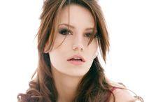 Modern Bardot - how to - hair / by Chloe Chinn