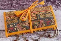 Rubans et galons en folie. / Des galons, rubans et passementerie pour votre décoration intérieure, vos vêtements et accessoires. Customisez à tout va!
